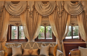 Rustic folding curtain with drapes and shawls